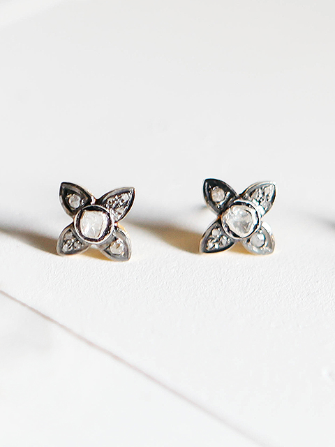 lulu flower earring